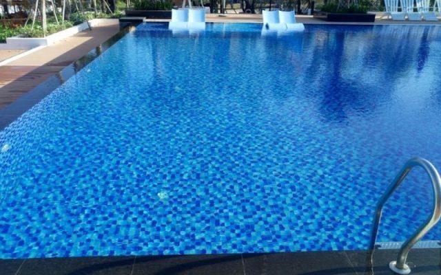 Ứng Dụng Acid Clohydric Tinh Khiết Xử Lý Nước Bể Bơi