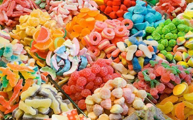 Túi Hút Ẩm Giúp Bánh Kẹo Tránh Mốc.