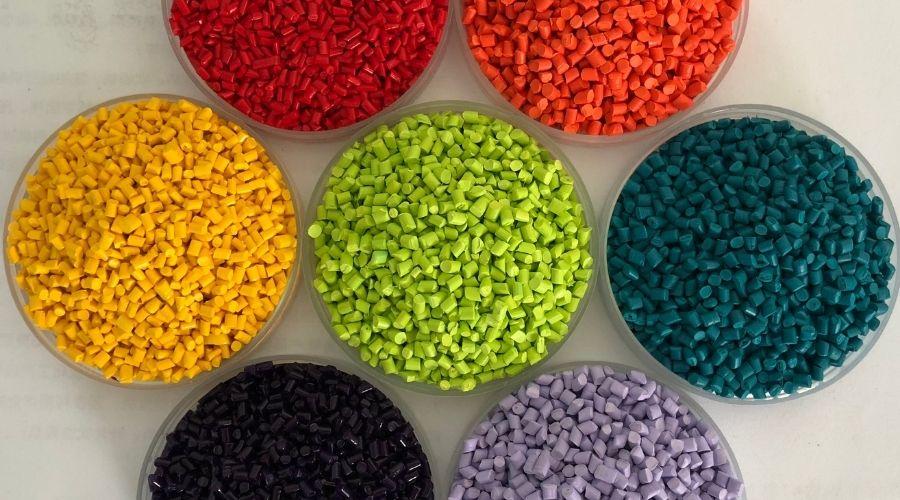 Hạt Nhựa Màu Giới Thiệu