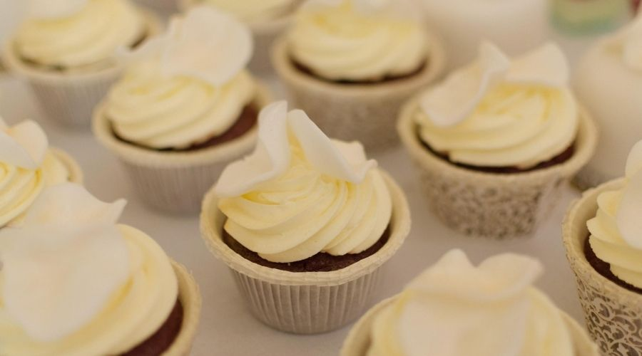 Tại Sao Hương Vanilla Không Thể Thiếu Trong Các Loại Bánh